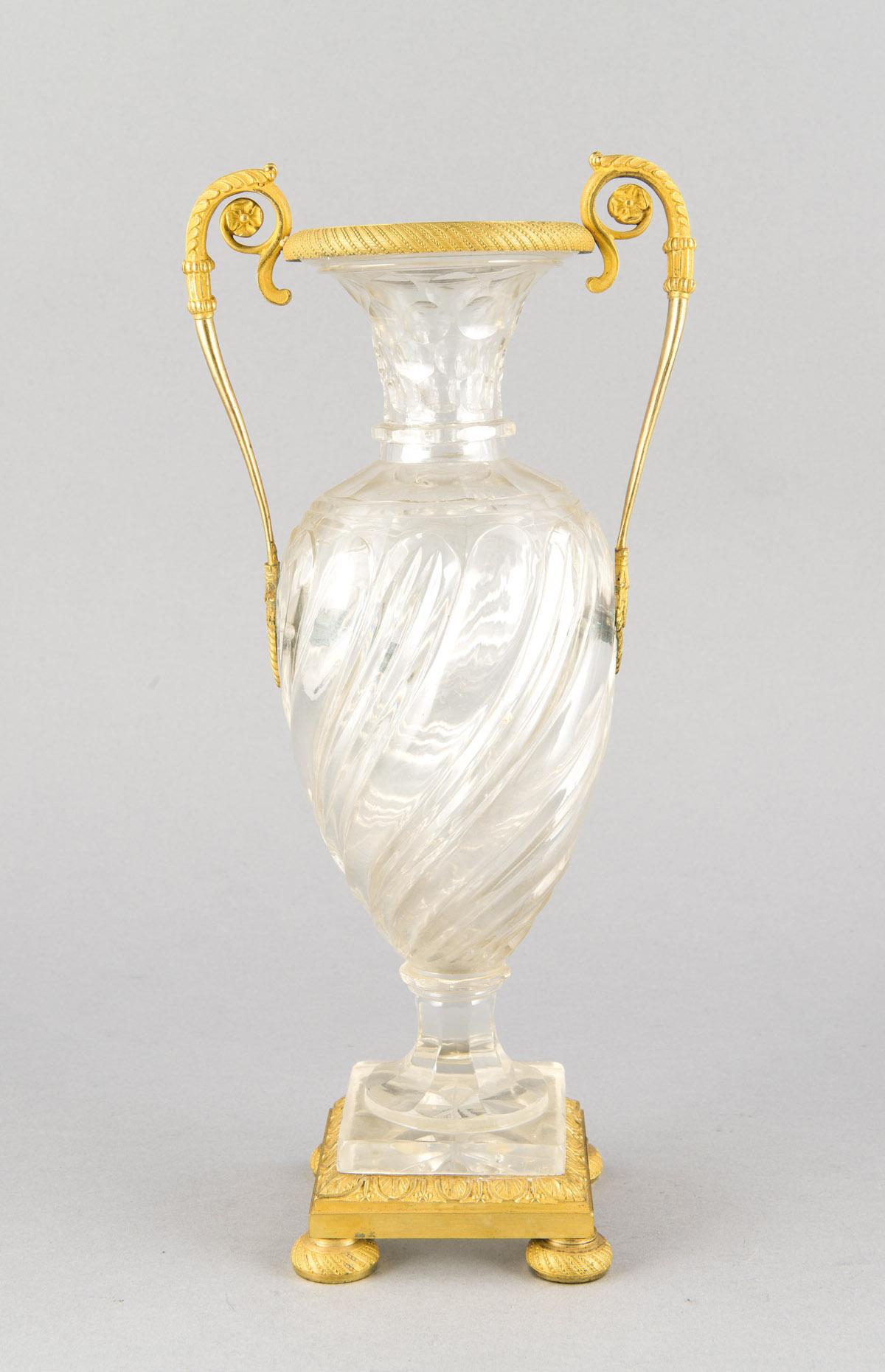 Kristallvase mit vergoldeter Bronzemontierung d